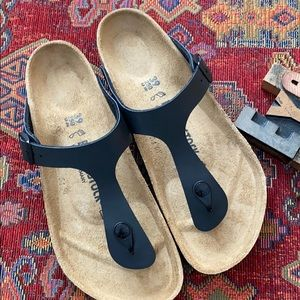 BIRKENSTOCK Women's 'Gizeh' Sandals in Black